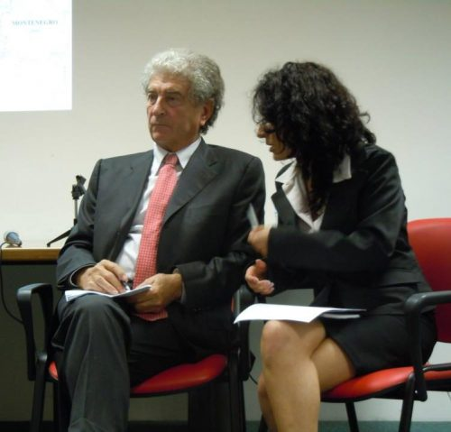 Italian-English Chuchotage in Rome for the former Bosnian Prime Minister Hasan Muratović at INTERSOS NGO 10/25/2012 – Interpreter Silvia Cicciomessere