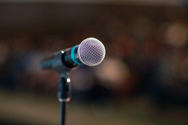 Public speaking interpreti